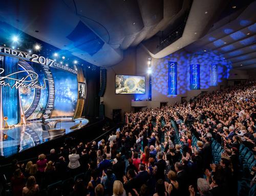 Scientologen weltweit feiern Geburtstag des Gründers L. Ron Hubbard